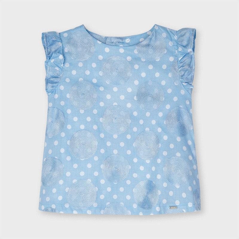 Blusón lunares bordados azul niña Mayoral. Blusón de manga corta para niña con detalles de volantes. Tejido fluido para el día a día.